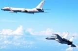 Máy bay Trung Quốc áp sát máy bay Mỹ trên biển Hoa Đông