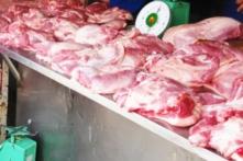 Đưa vào 'tiêu chí thi đua', mỗi giáo viên mỗi tháng phải mua 10kg thịt lợn