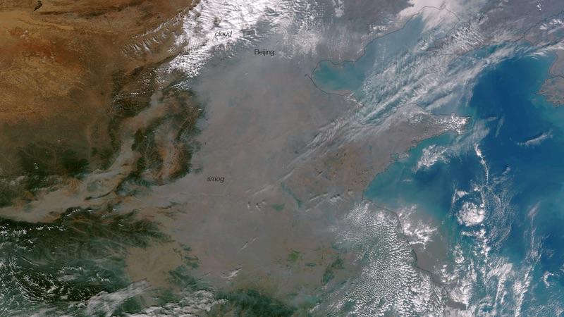 Sương mù ở Bắc Kinh, ảnh: NASA / NOAA