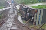 Cầu Tân Đức sập hỏng hoàn toàn do xe vượt quá tải trọng tới 16 tấn