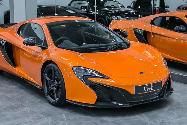 sieu xe McLaren 650S Spider tang le phi truoc ba