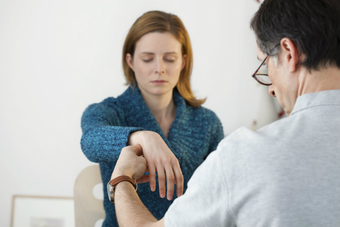 Ngành khoa học nghiên cứu về hiện tượng nhập hồn, gọi là 'liệu pháp trục xuất linh thể' (ảnh: Shutterstock)