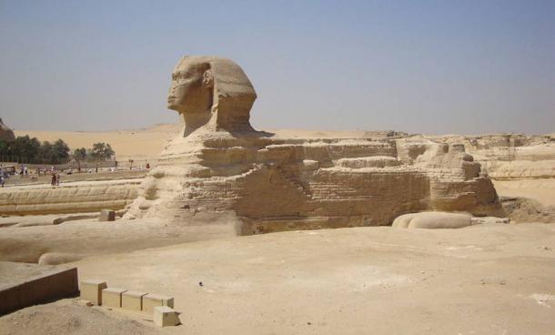 Tượng nhân sư đồ sộ trên cao nguyên Giza - lưu ý tỷ lệ phân đầu và thân (ảnh: Daniel Mayer/ CC BY-SA 3.0)