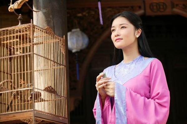Bảo Thánh hoàng hậu được xem là người có phong thái điềm tĩnh và gan dạn đến phi thường.
