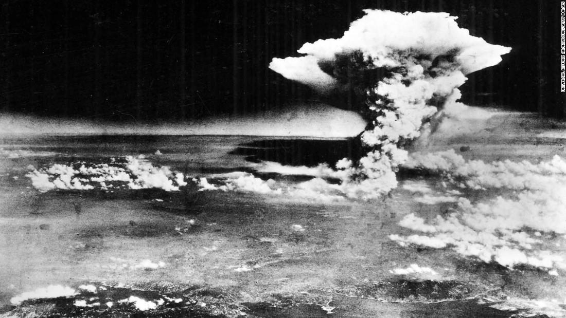 Vụ ném bom nguyên tử xuống Hiroshima làm Nhật Bản thương vong nghiêm trọng.