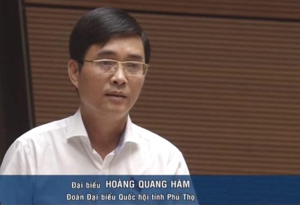 Đại biểu Hoàng Quang Hàm (Phú Thọ) đặt vấn đề về tình trạng đầu tư dàn trải (chưa có vốn đã quyết định đầu tư, tiến hành đấu thầu và triển khai dự án khi vốn không đáp ứng được yêu cầu dự án/công trình…)