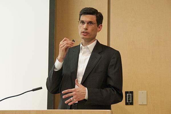 Ông Alejandro Centurion thành viên Hiệp hội các Bác sỹ chống Mổ cướp Nội tạng