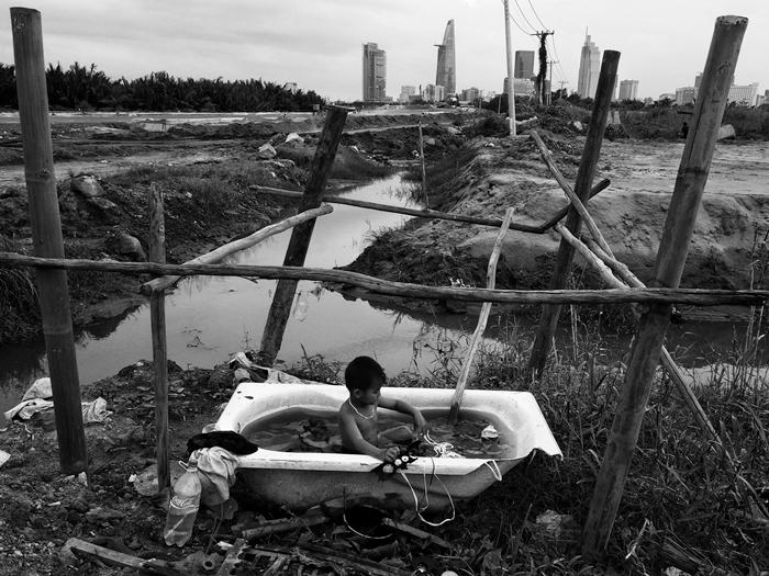 Những mảnh vụn - Ảnh: Sài Gòn nhìn từ bên kia sông - Cương Trần, ký ức