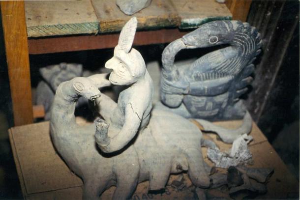 Một bức tượng trong bộ sưu tập của giáo sư Cabrera