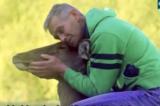 Người thợ săn từ bỏ việc sát sinh nhờ nuôi dưỡng 1 chú nai con