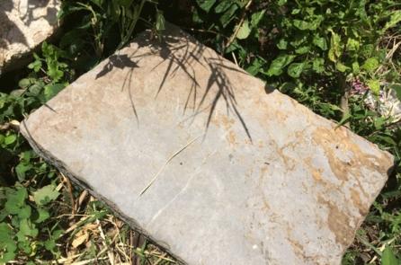 Huế: Phát hiện dấu tích của khu lăng mộ ở khu vực san ủi làm bãi đỗ xe