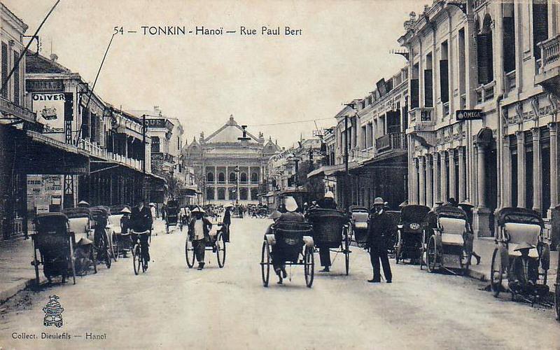 Đường Paul Bert ngày xưa, nay là phố Tràng Tiền, Hà Nội (ảnh: Public Domain)