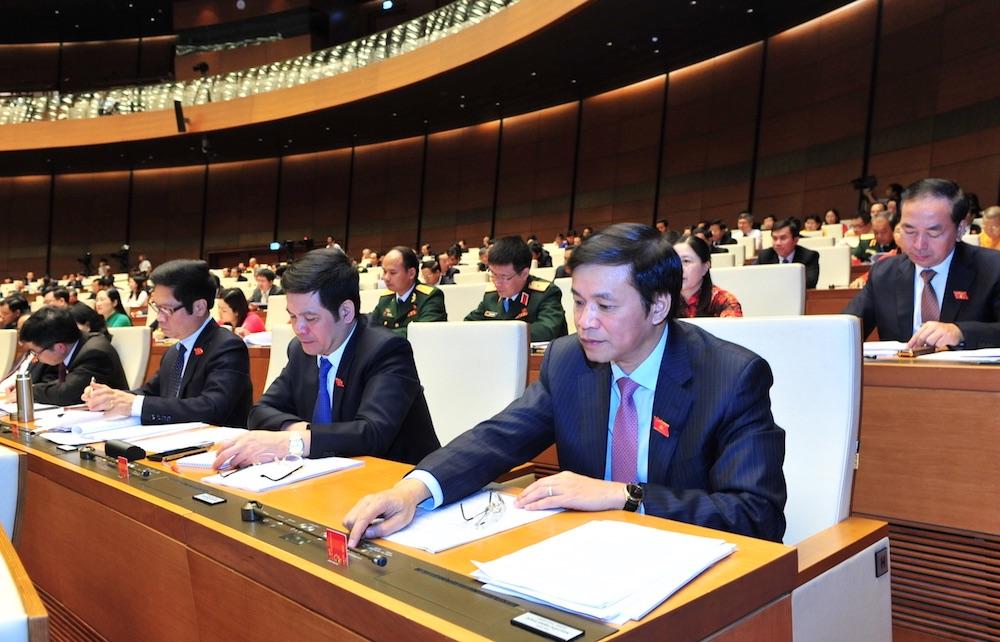 Sáng 21/6, Quốc hội đã nhất trí thông qua Nghị quyết về xử lý nợ xấu các tổ chức tín dụng (ảnh qua SHS.com.vn)