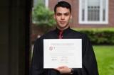 Chàng sinh viên nghèo tốt nghiệp Đại học Harvard truyền cảm hứng cho mọi người
