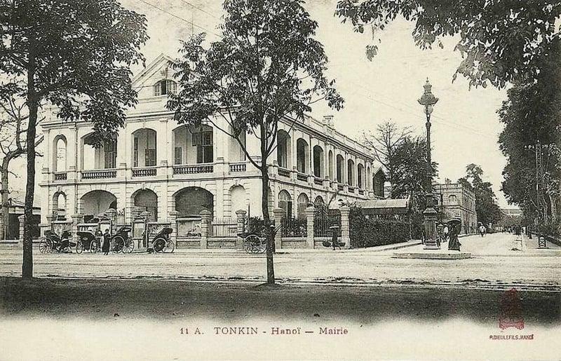 Tòa thị chính Hà Nội, đầu thế kỉ 20. (ảnh: Public Domain)