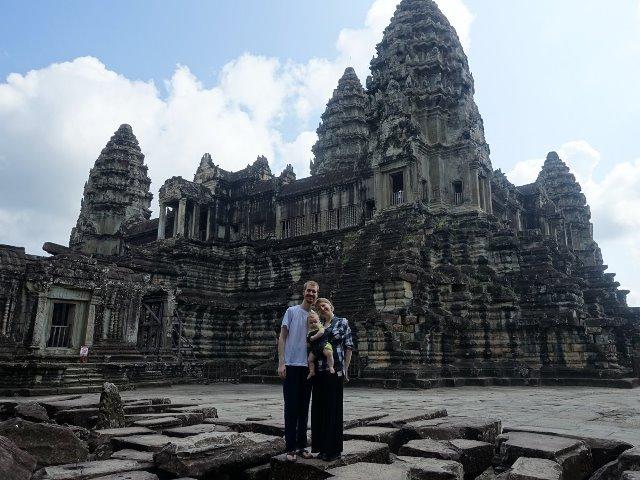 Tham quan đền Angkor Wat, Campuchia. (Ảnh: Joe và Ali Olson)