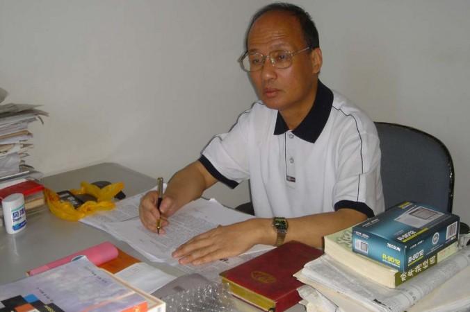 Ông Trịnh Ân Sủng (Zheng Enchong), một luật sư nhân quyền ở Thượng Hải.