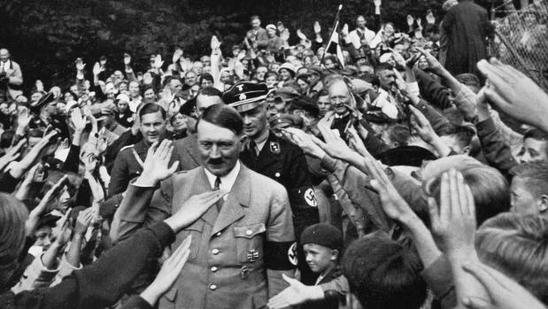 Hình ảnh cho thấy chủ nghĩa ái quốc những năm 1940 ở Đức chính là yêu Hitler