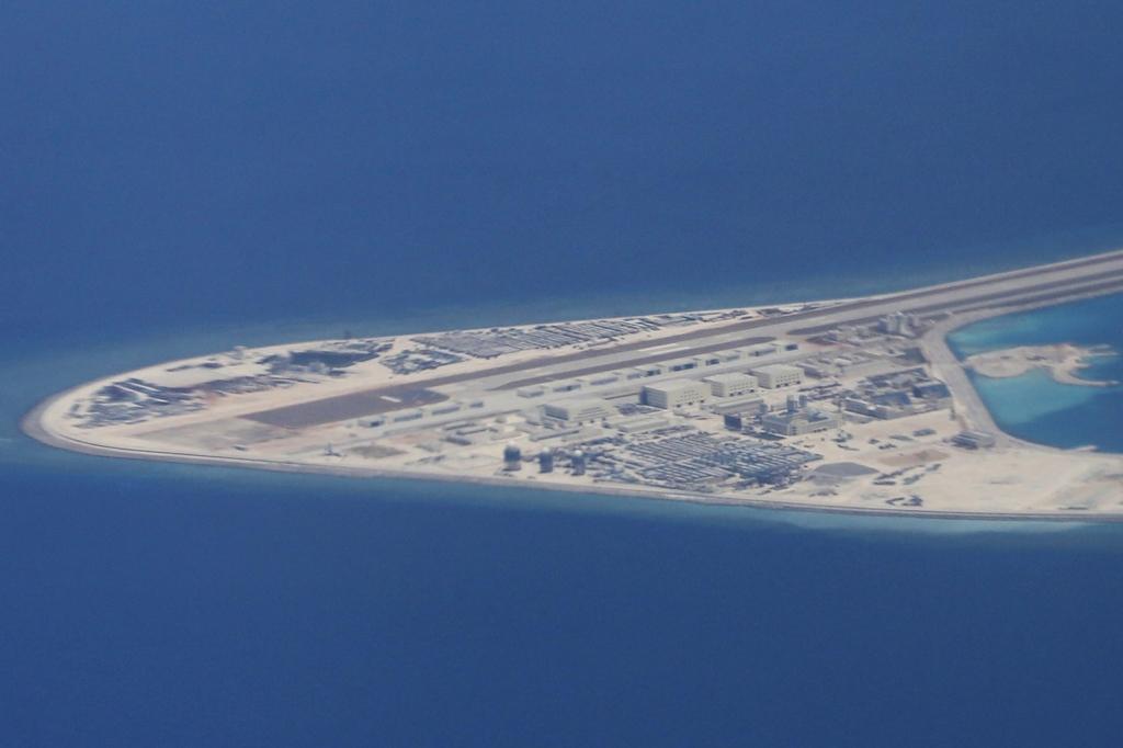 Trung Quốc vẫn đang quân sự hóa các hòn đảo mà nước này chiếm đóng trên biển Đông