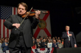 Nghe si violin Luis Haza
