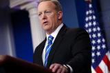 Thư ký báo chí Nhà Trắng từ chức khi ông Trump bổ nhiệm giám đốc truyền thông mới