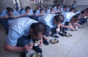 Tại sao Mỹ liệt Trung Quốc là một nước vi phạm tồi tệ nhất về nạn buôn người và lao động cưỡng bức?