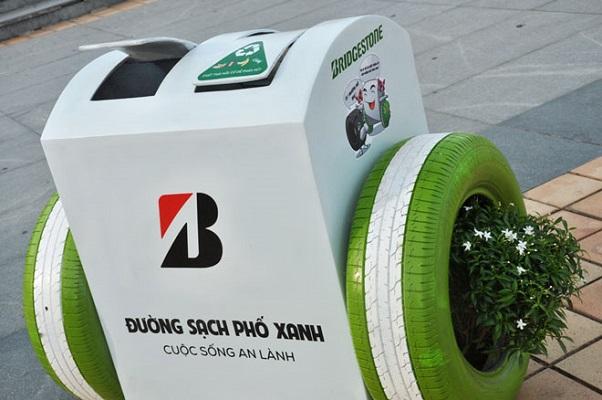 da nang su dung 450 thung rac thong minh co the sac pin dien thoai