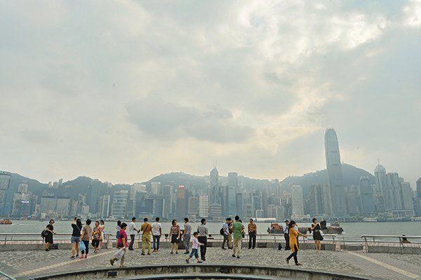 """Tuần vừa qua, Đảng Dân chủ Hồng Kông đã công bố rằng, có tới 59% cư dân Hồng Kông nhận định rằng tình hình của đặc khu này """"tệ hại"""" hơn hẳn thời kỳ trước năm 1997"""