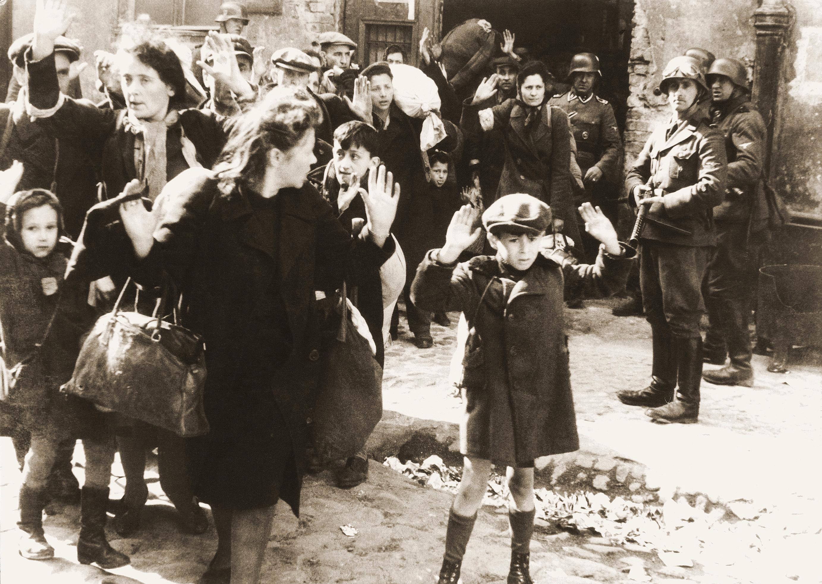 Người Do Thái ở Ba Lan đã bị người Đức bắt giữ (Nguồn: Wikipedia)