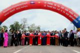 Thông xe vận tải đường bộ nối Việt Nam với Campuchia