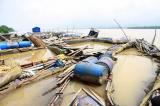 Thủy điện Hòa Bình xả lũ, hàng trăm tấn cá lồng trên sông Đà chết ngạt