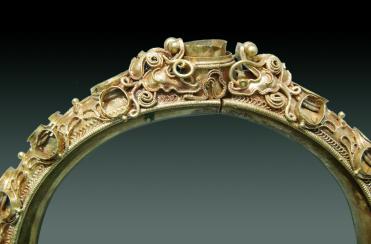 Bộ trang sức của một vương phi thời chúa Nguyễn