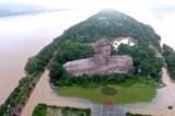 Video thảm họa lũ lụt phía Nam Trung Quốc, tượng Mao bị bao vây giữa nước