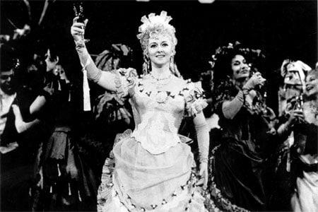 Vở operetta Die Fledermaus - Hài kịch của những âm mưu và nhầm lẫn