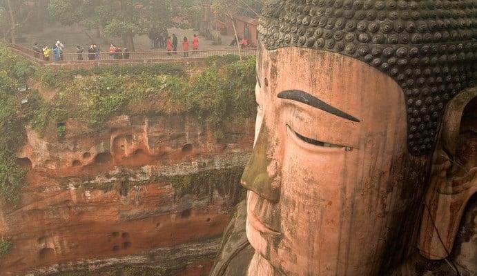 Lạc Sơn Đại Phật: Pho tượng ngàn năm mưa gió vẫn trường tồn
