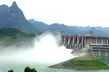 Ba thủy điện Sơn La, Tuyên Quang, Hòa Bình đồng loạt mở cửa xả đáy