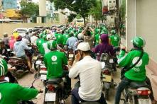 Bloomberg: Ở Việt Nam càng học cao càng khó kiếm việc