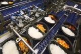 Khám phá dây chuyền nấu cơm tự động không cần đầu bếp của Nhật