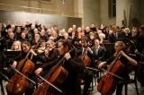 Tiến sĩ y Nhật Bản: Nghe âm nhạc cổ điển có thể cải thiện chứng lão thị