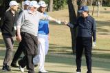 Trump cho golf voi Abe
