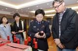 Thu giữ 14.000 chai rượu Penfolds giả được bán trên mạng của Alibaba