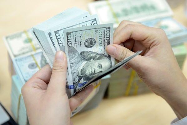 tien USD 4