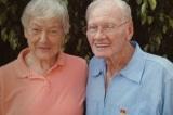 """""""Tâm linh tương thông"""": Hai cụ già kết hôn sau 60 năm gặp lại nhau"""