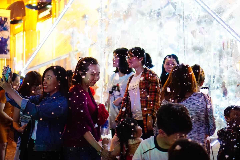 Noel ở Sài Gòn, tòa nhà Diamond