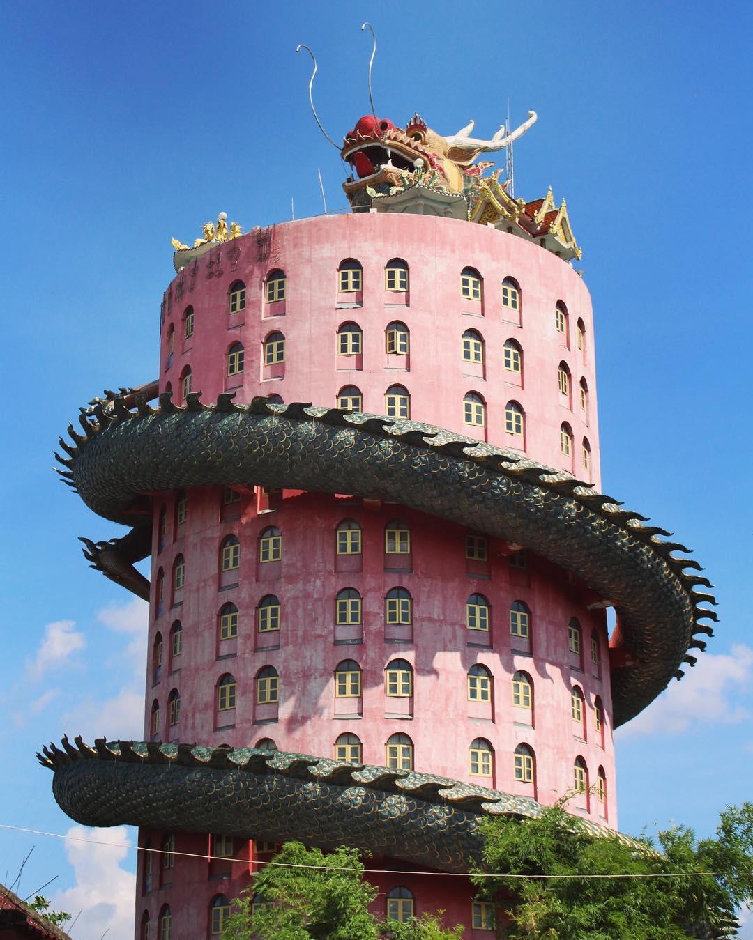 Ngôi chùa Wat Samphran, Ngôi chùa màu hồng, Thái Lan,