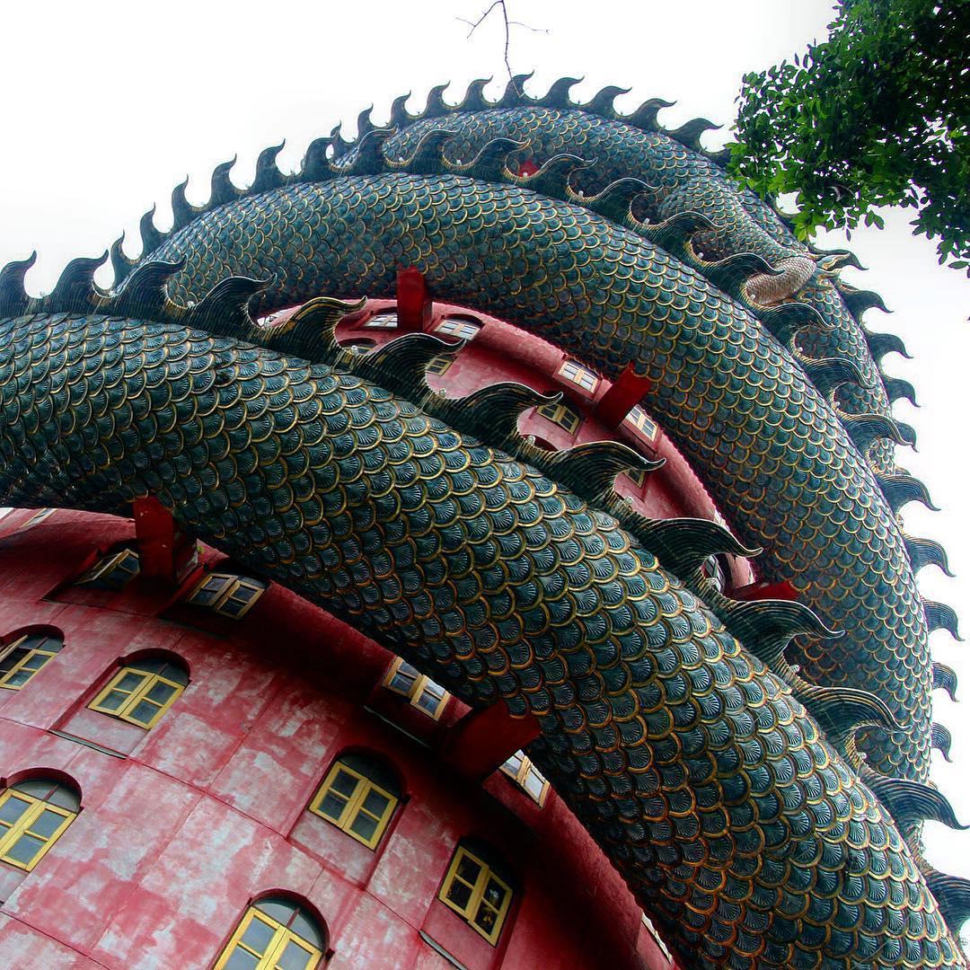WatSamphran, Ngôi chùa màu hồng, Thái Lan,