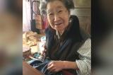 Cháu gái bật cười cảm động khi bà nội kiên nhẫn vá lại 'chiếc quần jean rách'