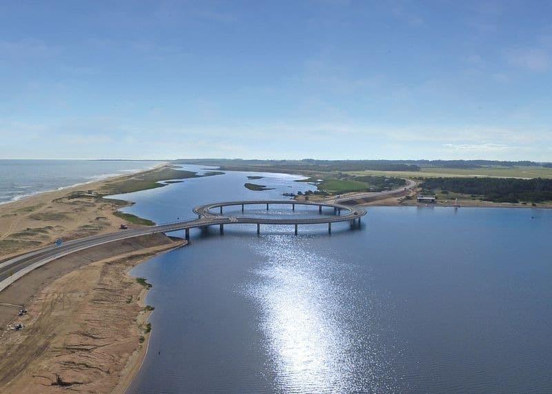 Vì sao Uruguay lại xây cầu hình tròn bắc qua phá Garzon?