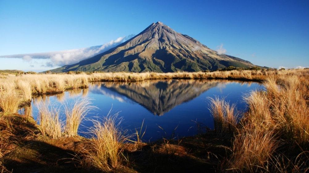 Ngọn Taranaki ở New Zealand đã được trao cho những quyền như con người
