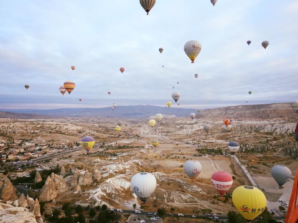 Bay khinh khí cầu ở Cappadocia: